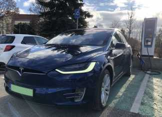 Tesla Model X – a bárói luxus